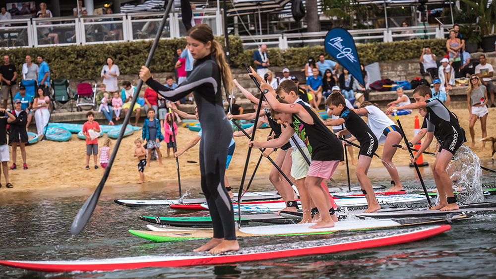 Kids stand up paddle race